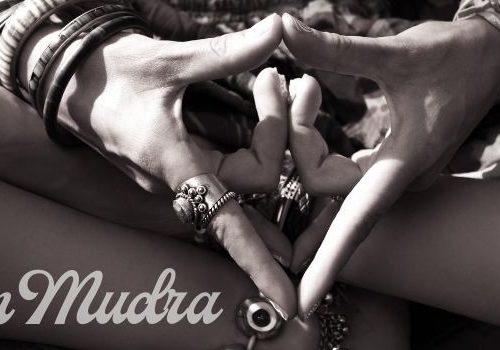 Yonga mudra ayahuasca hände